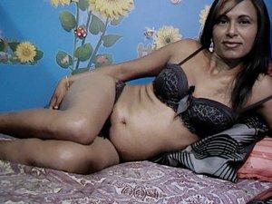38 yo brunette Priya.