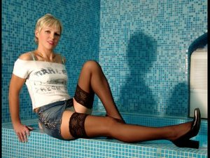 Blonde tiffanie perform anal
