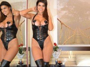 Brunette hotdiva19 perform anal
