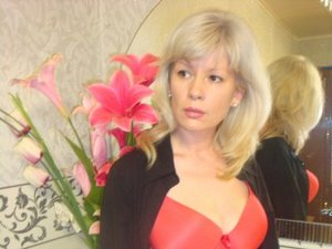 Blonde Julia Close Up.