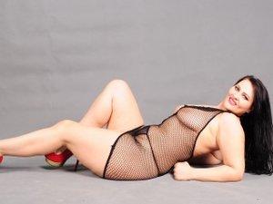 Brunette Mattureella Squirt.