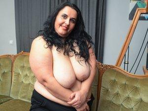 White milf beautiful tits